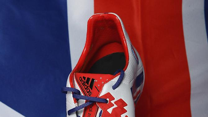 Adidas Produce A Unique Pair Of Boots On www.miadidas.com To Celebrate David Beckham's Retirement From Football