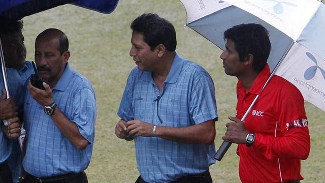 Cricket - Bangladesh board bans umpire for 10 years for corruption