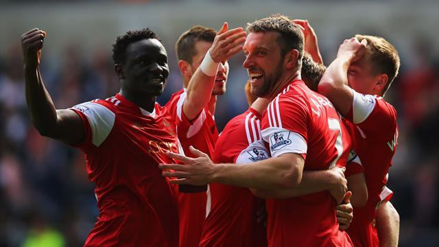 Premier League - Lambert grabs stoppage-time winner for Southampton at Swansea