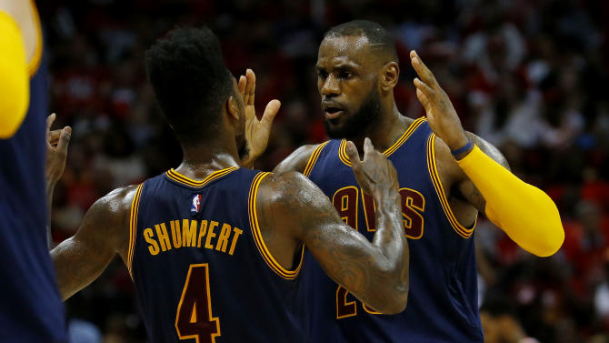 James leads Cavs to 94-82 win over Hawks, 2-0 series lead