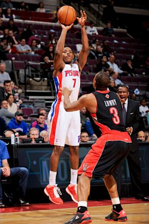 Knight lifts Pistons past Raptors