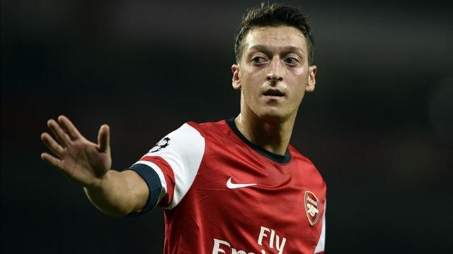 Premier League - Rooney 'wanted Ozil at United'