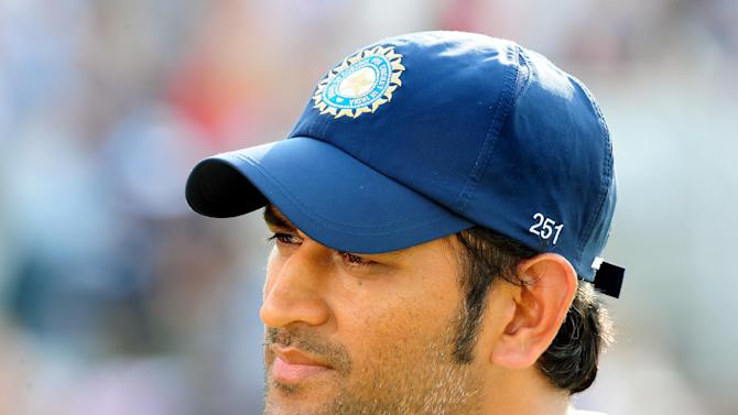 Mahendra Singh Dhoni's decision to declare paid off as India claimed three England wickets late on
