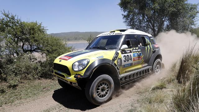 Rally Raid - Cars: Roma regains overall lead as Sainz loses over an hour