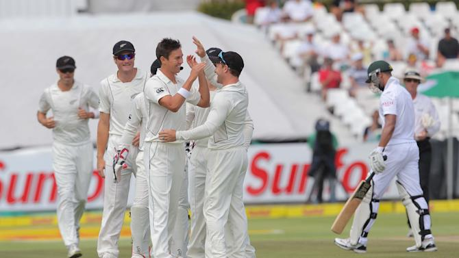 South Africa v New Zealand - First Test: Day 2
