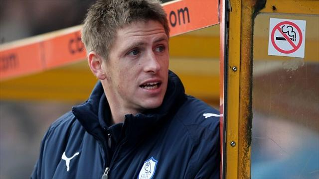 League Two - Bury move for Hinds