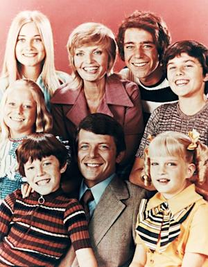"""Susan Olsen, The Brady Bunch's Cindy Brady, Writes Moving Tribute to Gay TV Dad Robert Reed: """"He Was a Family Man"""""""