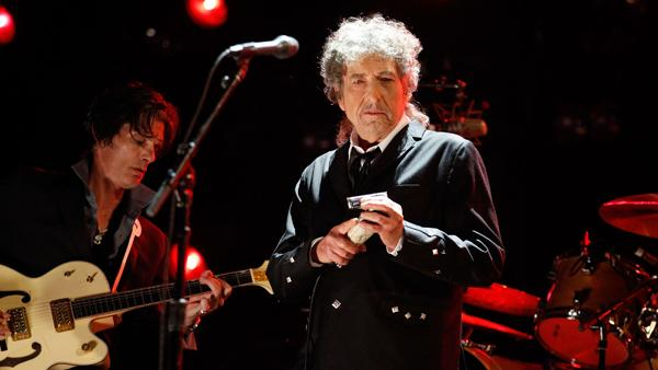 Bob Dylan Weighing Dylan Thomas Tribute
