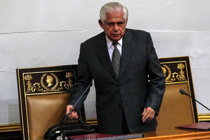 Los opositores reiteran llamado a paro para el martes contra las medidas de Maduro