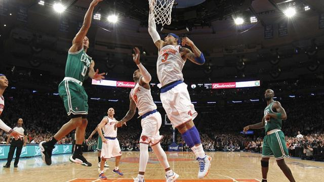 Basketball - Knicks turn up defensive heat on Celtics