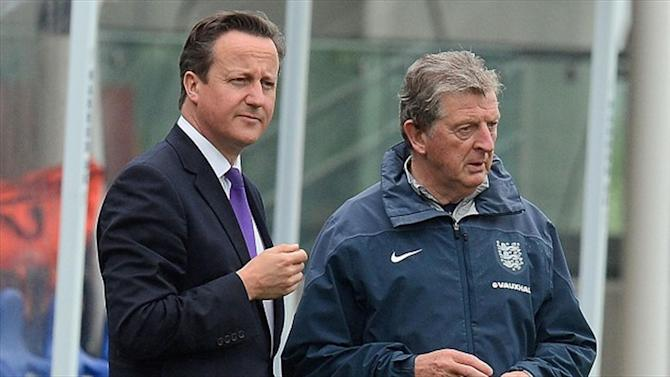 World Cup - PM Cameron hints England ready if Qatar stripped of 2022 tournament