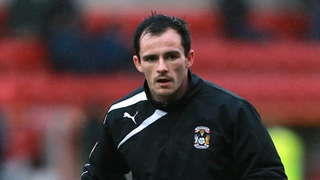 Football - Dagnall stars on Orient debut