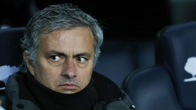 Football - Mourinho and Real march on towards elusive 10th title