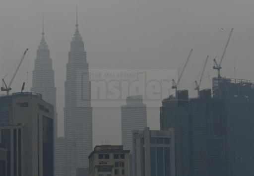 Port Klang records unhealthy air pollutant reading as smoke returns