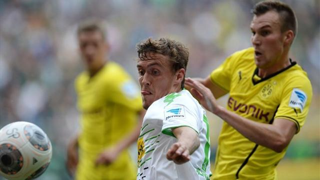 Bundesliga - Gladbach stun Dortmund 2-0 with late goals