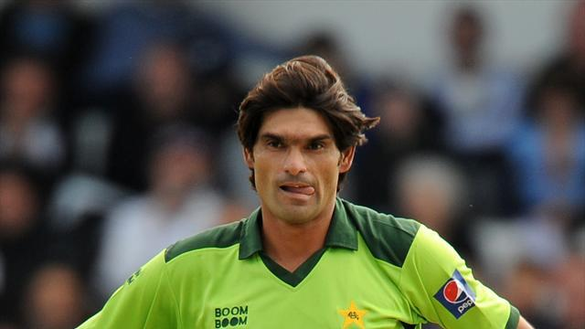Cricket - Irfan restricts Proteas