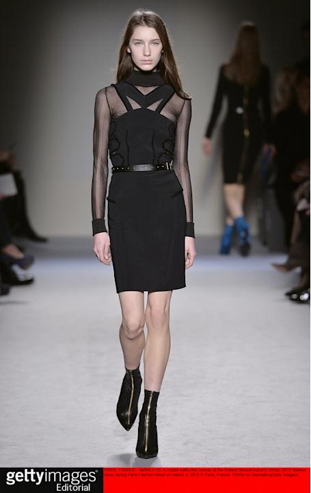 Roland Mouret - Runway RTW - Fall 2015 - Paris Fashion Week