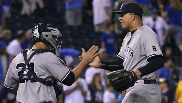 Yankees jump Royals in wildcard race, Rangers have a day out