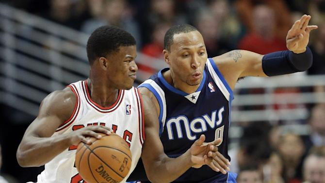Ellis scores 22 as Mavericks rout Bulls 105-83
