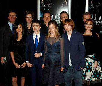 Premiere: Mike Newell, Katie Leung, Robert Pattinson, Daniel Radcliffe, Jason Isaacs, Emma Watson, Ralph Fiennes, Rupert Grint, Brendan Gleeson and Miranda Richardson at the NY premiere of Warner Bros. Pictures' Harry Potter and the Goblet of Fire - 11/12/2005