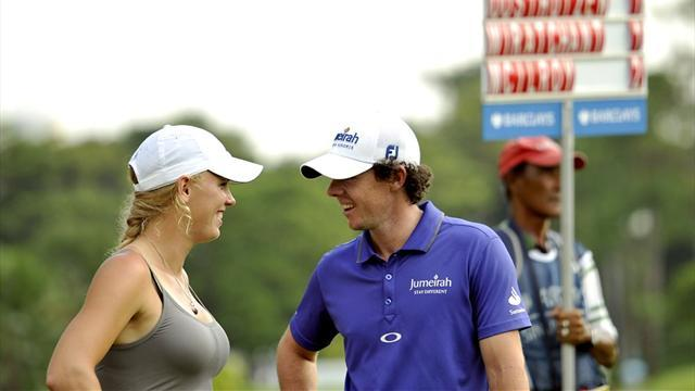 Golf - Wozniacki pulls a Christmas cracker on boyfriend McIlroy