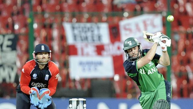 Cricket - Ireland contracts for seventeen