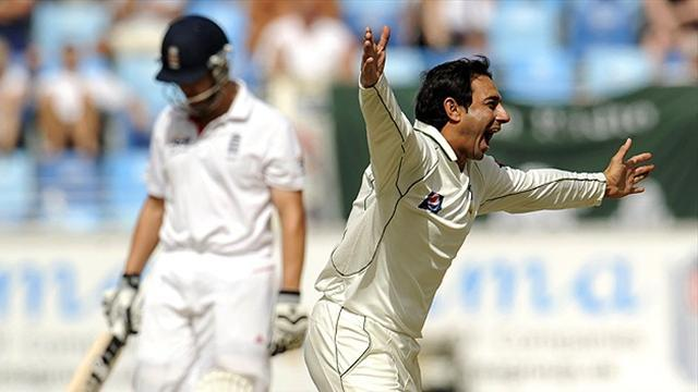 County - Hampshire sign Saeed Ajmal