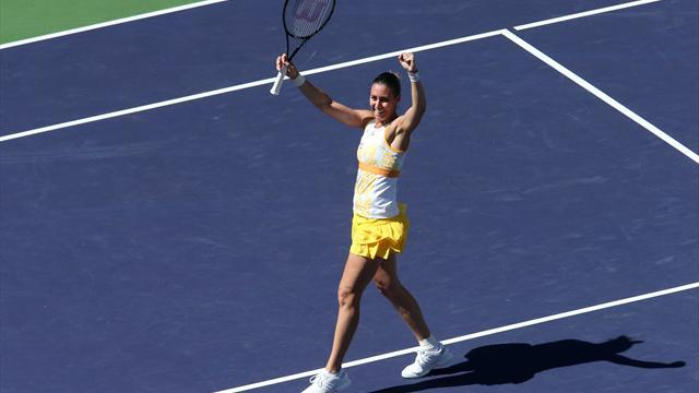 Tennis - Pennetta beats Radwanska to win Indian Wells title