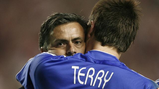 Premier League - Terry: Mourinho keen to know Chelsea developments