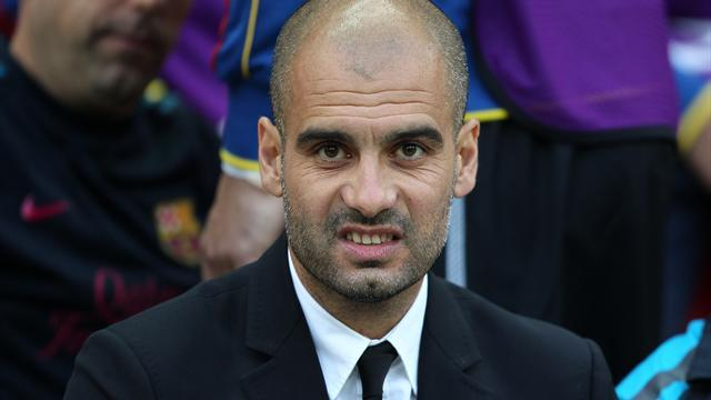 Football - Hargreaves applauds Guardiola decision