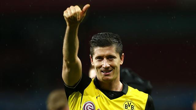 Bundesliga - Lewandowski scores as Dortmund win