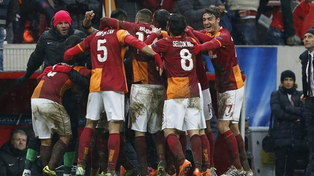 Champions League - Juventus stuck in the mud as Sneijder sends Galatasaray through