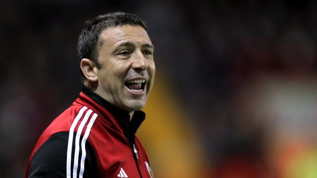 Scottish Premier League - McInnes starts with a point at Hibernian