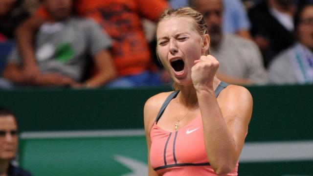 WTA Championships - Sharapova to face Serena in final