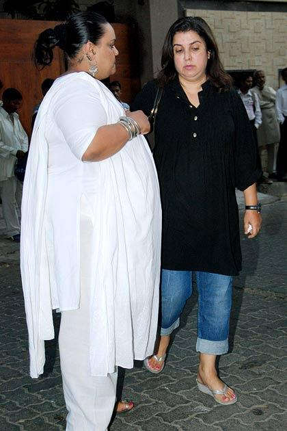 Bollywood's final farewell to Mona Kapoor