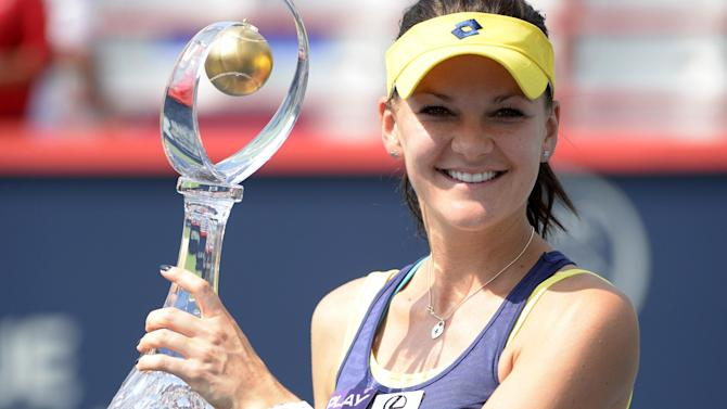 Tennis - Radwanska eases past Venus Williams to win Rogers Cup