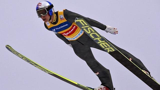 Ski Jumping - Schlierenzauer steals Stoch's limelight and seals World Cup title