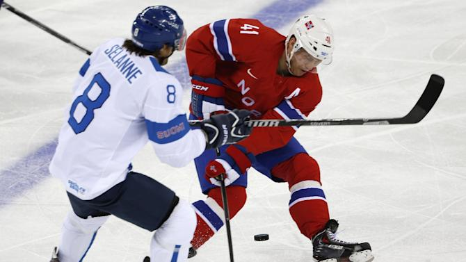 Finland routs Norway 6-1, faces Canada on Sunday