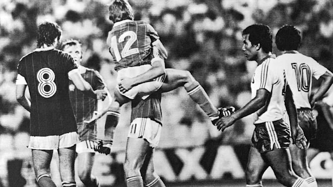 Hungary puts record 10 past El Salvador in 1982