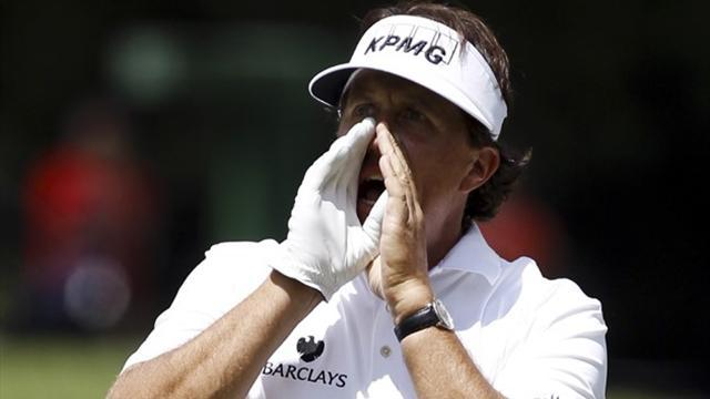 Golf - Mickelson will launch 2014 campaign in Abu Dhabi