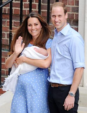 Prince William Heading Back to Royal Air Force After Paternity Leave