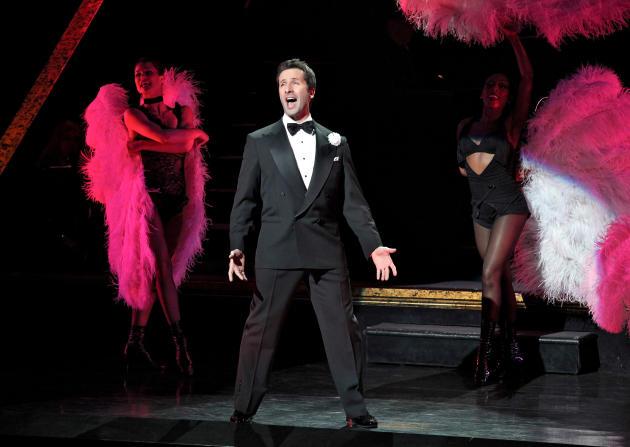 """En esta imagen difundida por Jeremy Daniel, Marco Zunino da vida a Billy Flynn en el musical de Broadway """"Chicago"""", en Nueva York. (Jeremy Daniel vía AP)"""