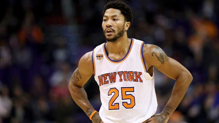 PHOENIX, AZ - DECEMBER 13: Derrick Rose #25 of the New York Knicks during the first half of the NBA game against the Phoenix Suns at Talking Stick Resort Arena on December 13, 2016 in Phoenix, Arizona. NOTE TO USER: User expressly acknowledges and agrees that, by downloading and or using this photograph, User is consenting to the terms and conditions of the Getty Images License Agreement. (Photo by Christian Petersen/Getty Images)