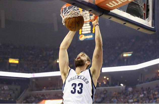Spanish All-Star center Marc Gasol has agreed to terms to remain with the NBA's Memphis Grizzlies, in a five-year deal worth $110 million according to reports