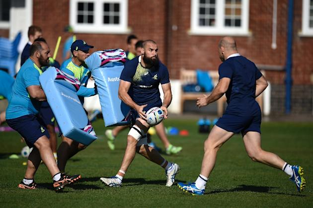 Australia lock Scott Fardy (C) attends a team training session at Dulwich college on October 8, 2015, ahead of their Rugby World Cup match against Wales
