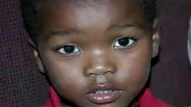 Toddler Gets Help After Aunt Has Seizure