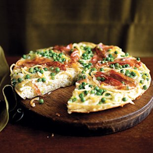Spaghetti Pie with Prosciutto and Peas