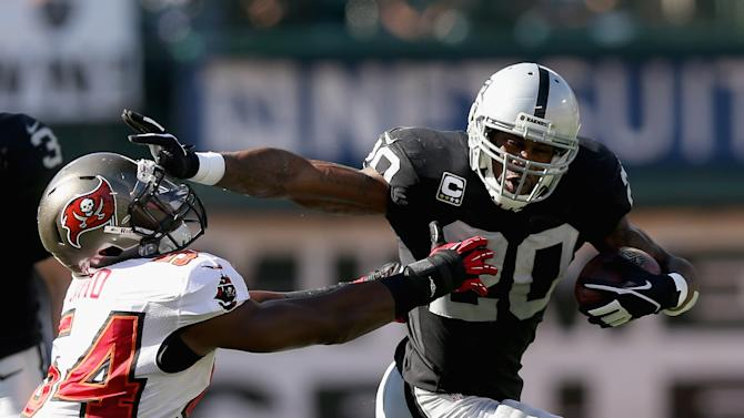 Tampa Bay Buccaneers v Oakland Raiders