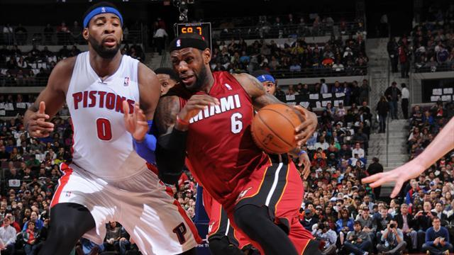 NBA - LeBron leads Heat to huge win, Raptors make playoffs