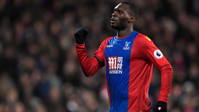 Crystal Palace beat Southampton to ease pressure on manager Alan Pardew
